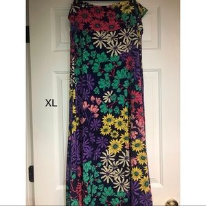 XL Maxi skirt by Lularoe